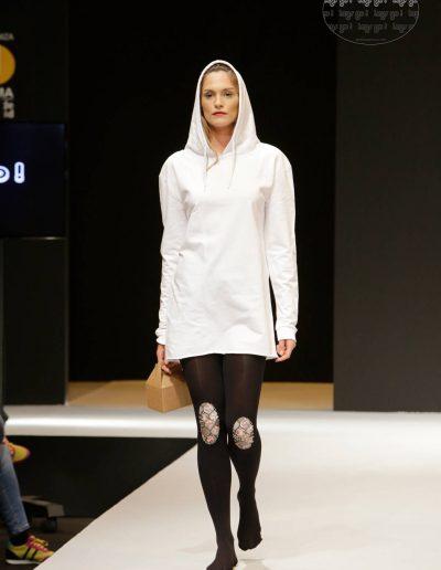 legs-go-pantys-con-rodilleras-coleccion-retro-flamingos-flamencos-pasarela-catwalk-ifema-momad-shoes-mbmfw-6-1080x1620