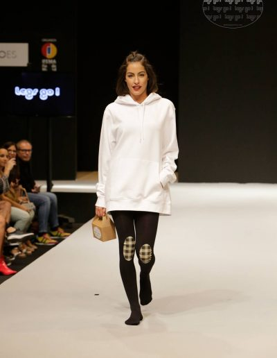 legs-go-pantys-con-rodilleras-coleccion-retro-flamingos-flamencos-pasarela-catwalk-ifema-momad-shoes-mbmfw-8-1080x1620