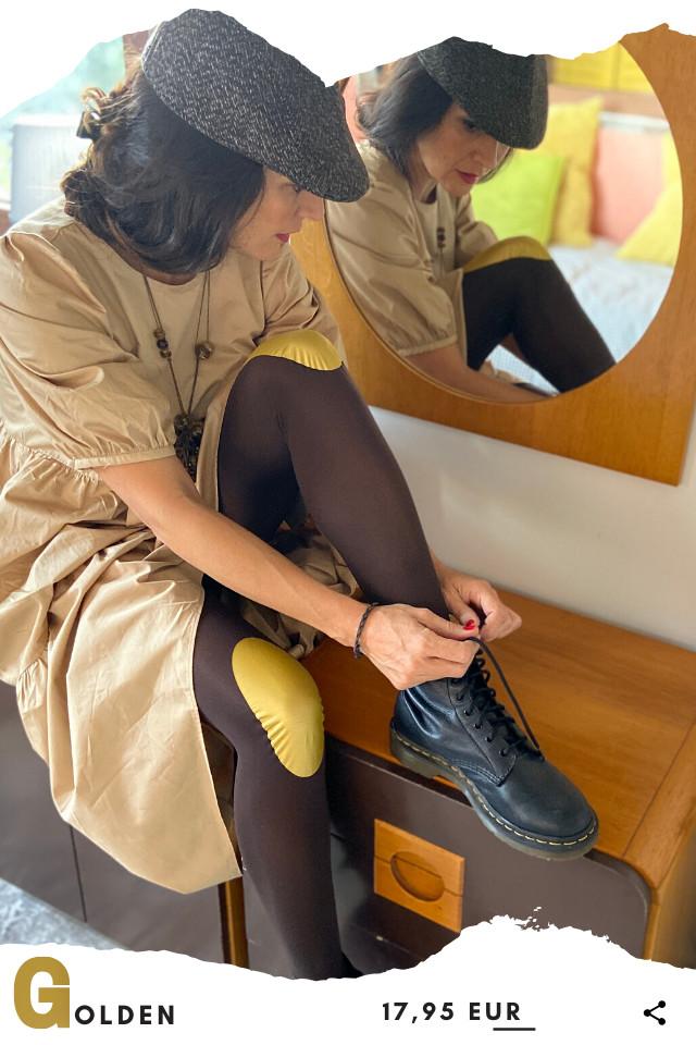 Pantis tupidos de fantasía de color marrones, con rodilleras de color doradas, colección basic colors diseño golden
