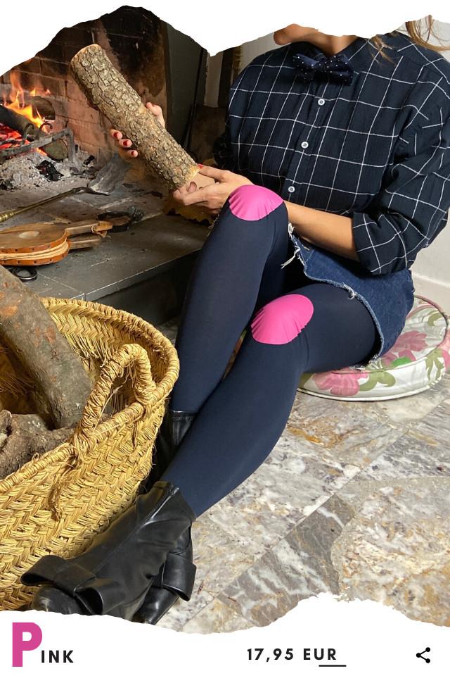 Pantis tupidos de fantasía de color azul marino con rodilleras de color rosa, colección basic colors diseño pink
