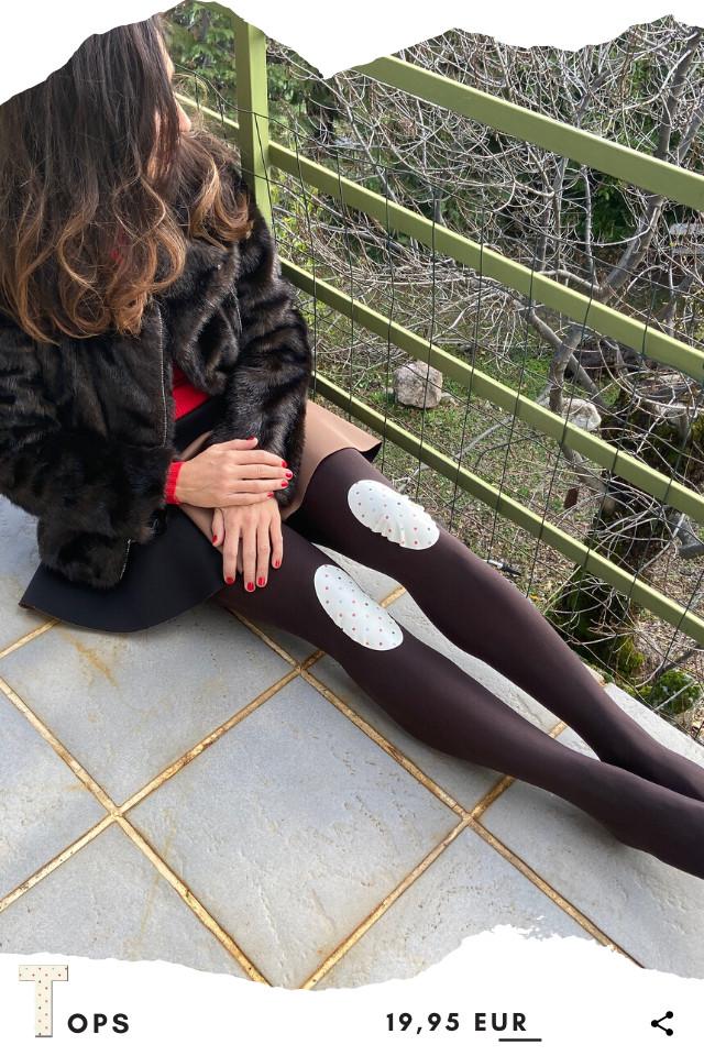 Pantis tupidos marrones con rodilleras de lunares o topos de colores, colección retro y modelo tops