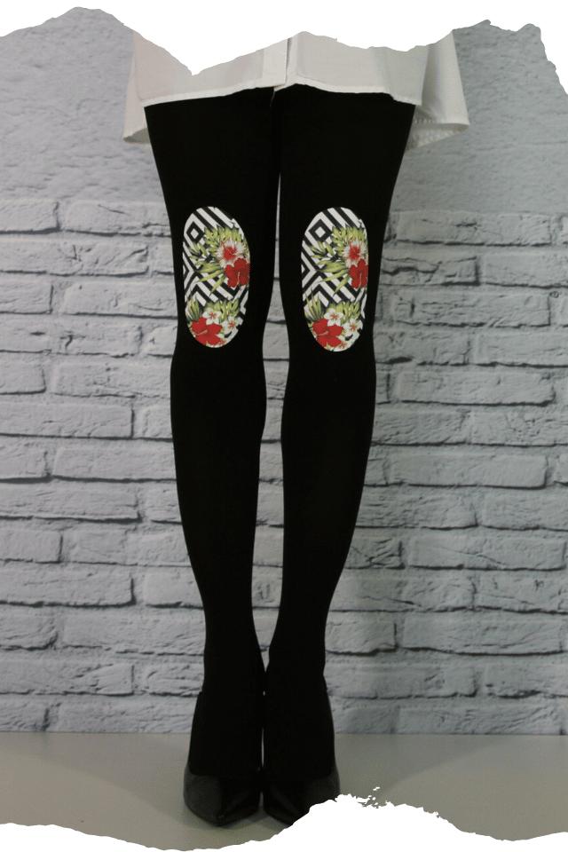 Pantis de fantasía tupidos negros con rodilleras de flores rojas y geometricas, aquarel, colección palmers diseño temptation